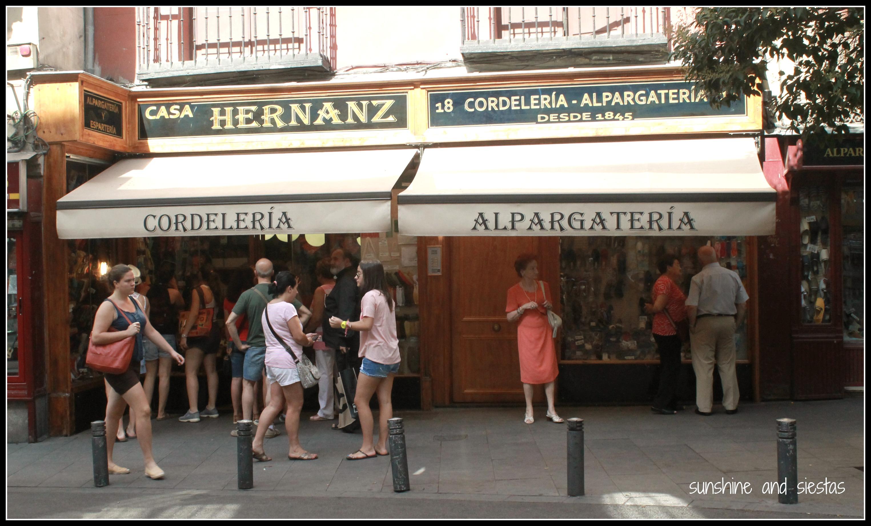Casa hernanz alpargateria sunshine and siestas an - Casashops madrid ...