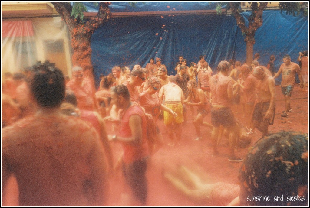 what the tomatina looks like