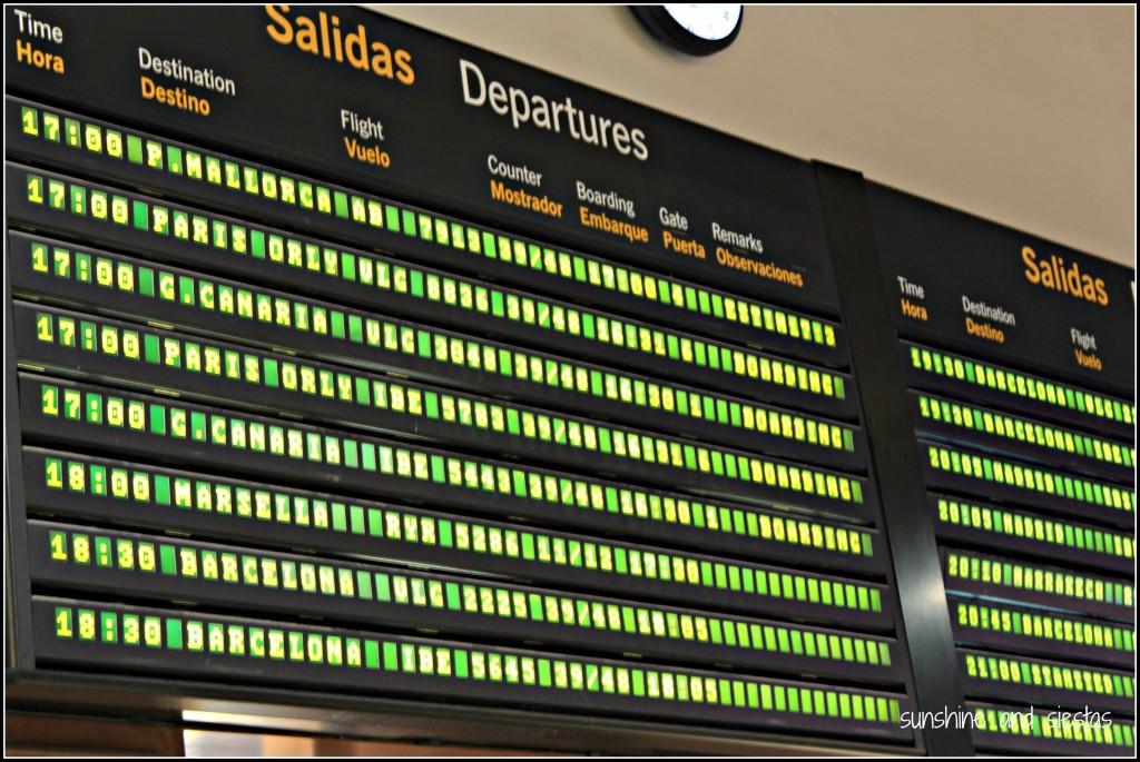 spanish airport departure board