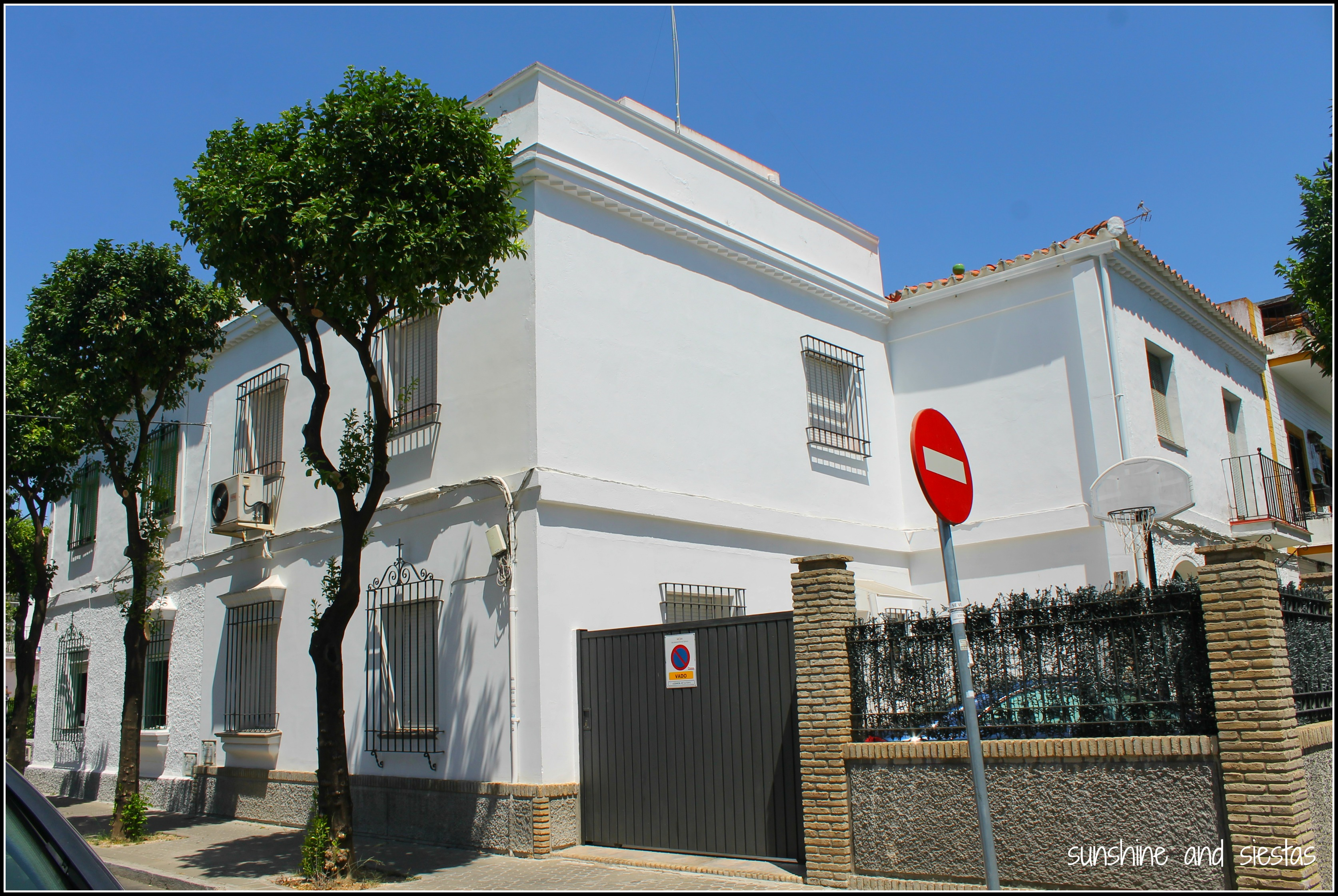 Buying a house in seville sunshine and siestas an for Seville house