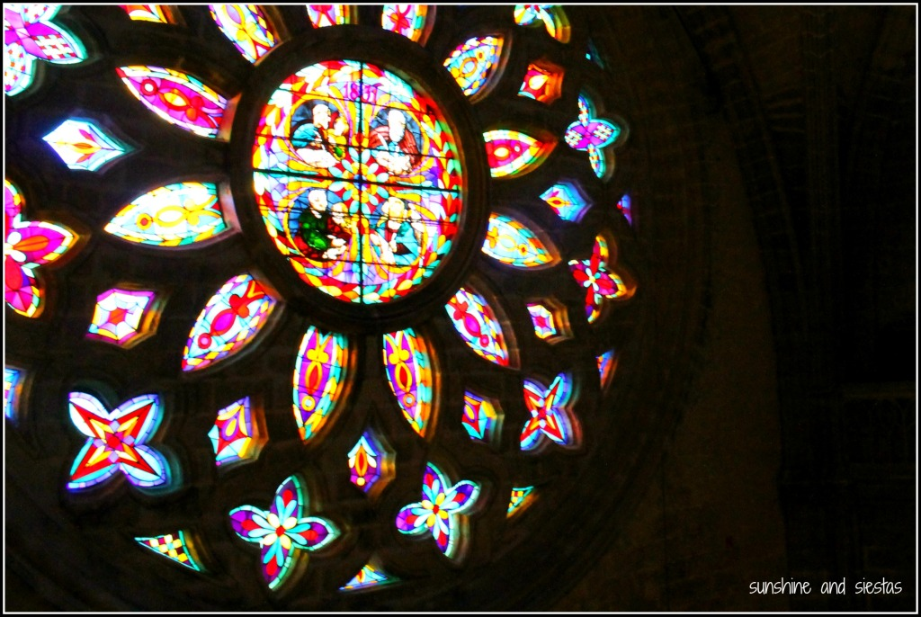 rosette window in the catedral de sevilla
