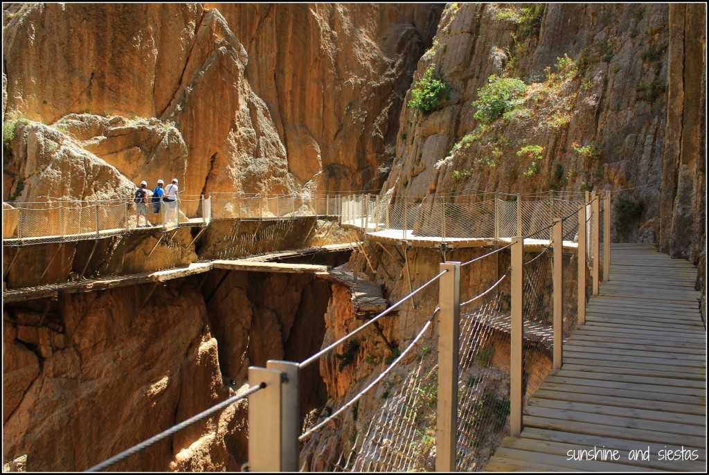 Pathways between the mountains on the Caminito del Rey