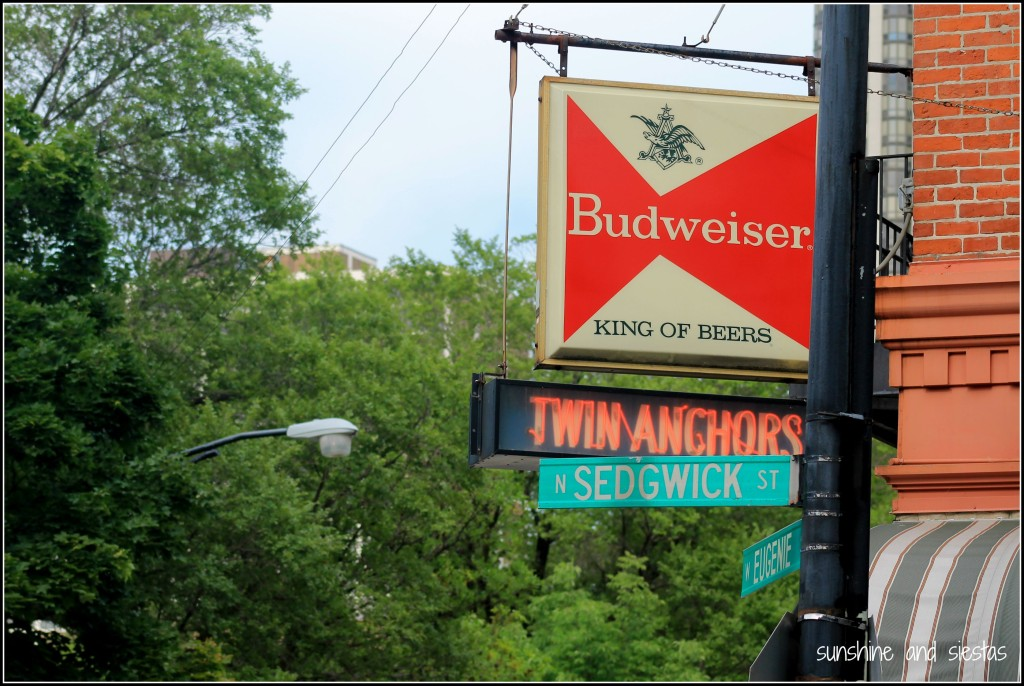 Twin Anchors bar Chicago