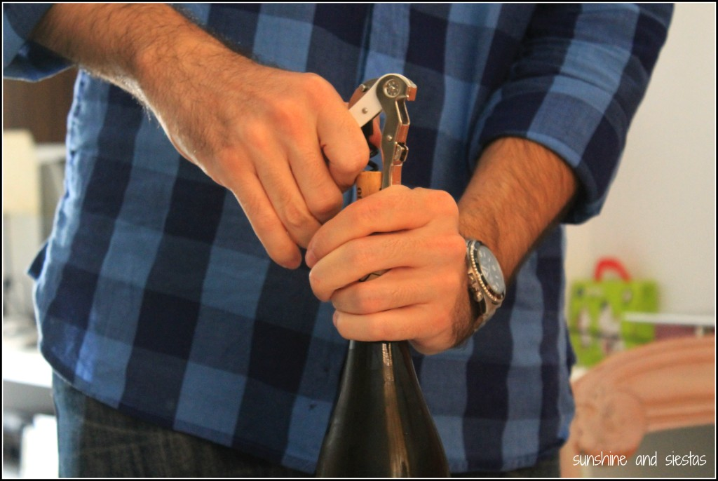 how to open a wine bottle correctly