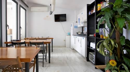 arhcitect hostel seville