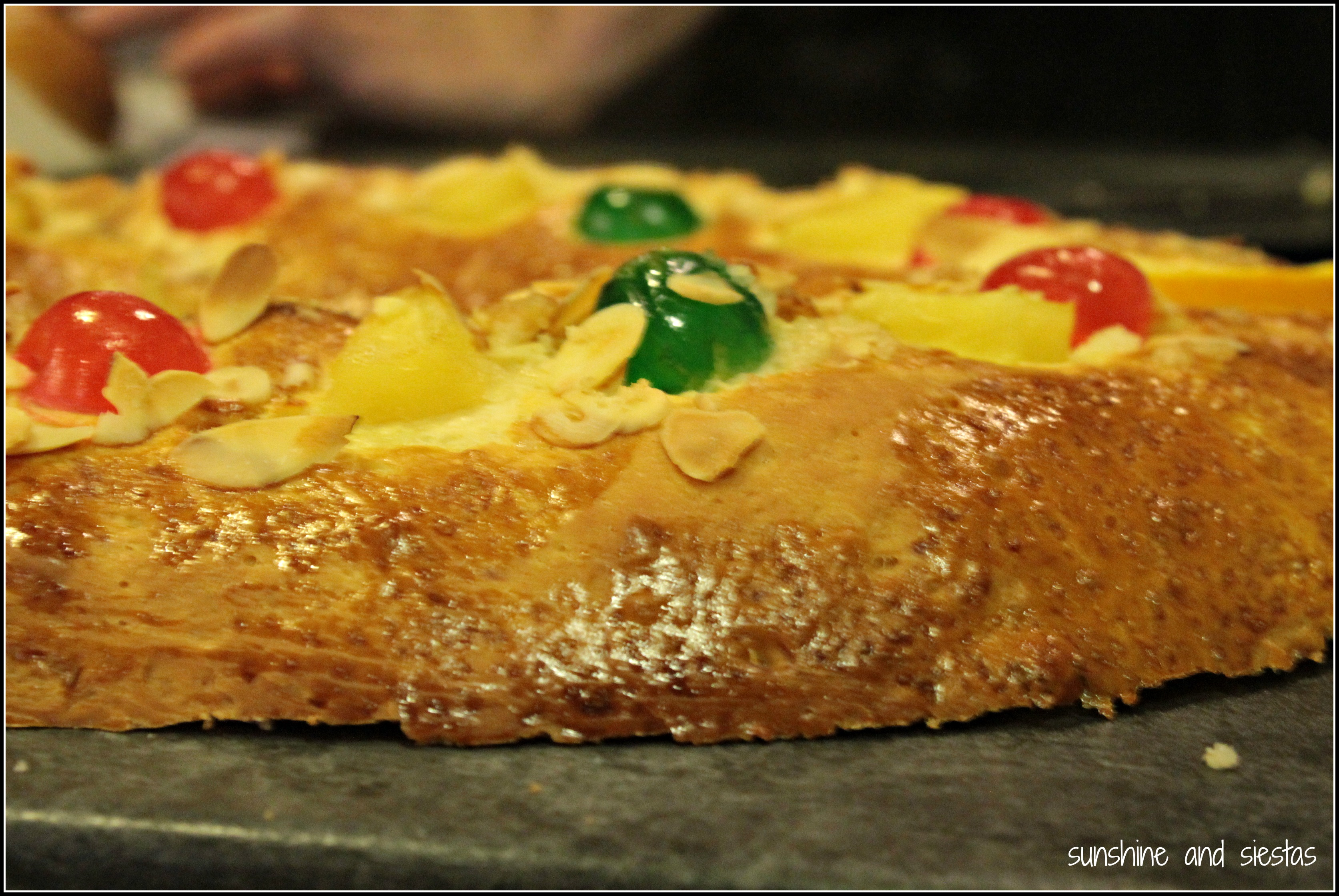 Three kings cake in spain sunshine and siestas an american expat roscon de reyes forumfinder Image collections